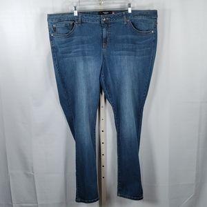 Torrid Denim cropped straight jeans 26 Tall 6139